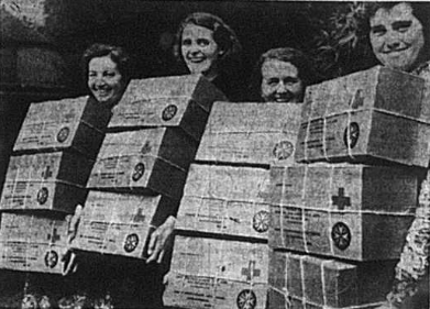 Ladies with packed cigarettes for Prisoners of War in September 1941
