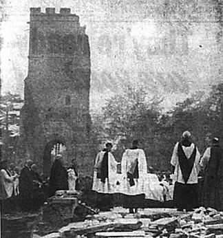 Ceremony on ruins of Bromley Parish church, 1941