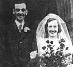 Wedding Photo of William Stanley Page and Margaret Holder, published int eh Bromlet Times newspaper in November 1941