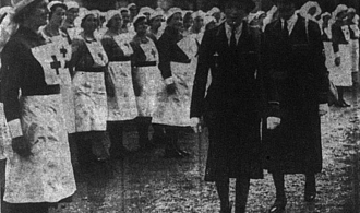 Lady Camden visits the Bromley Red Cross