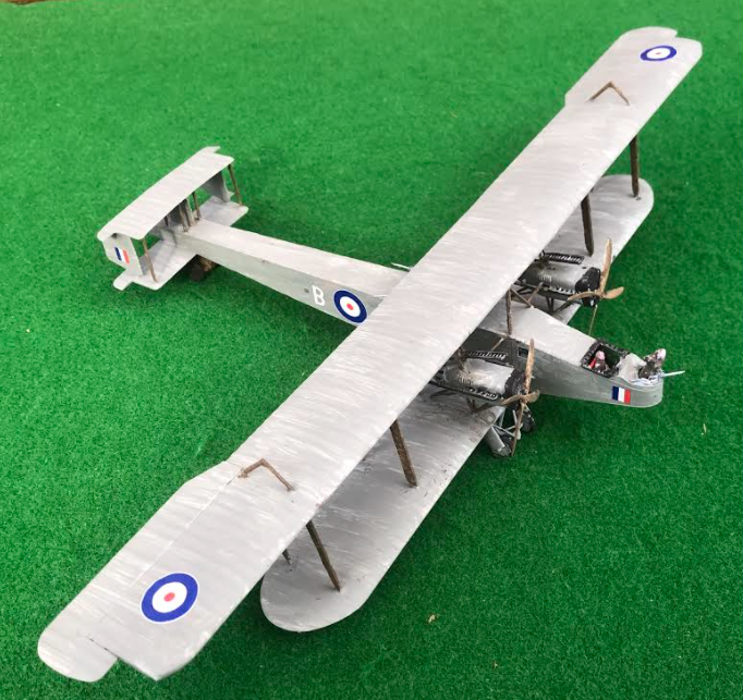 Scale model of the HANDLEY PAGE 0/400 aircraft