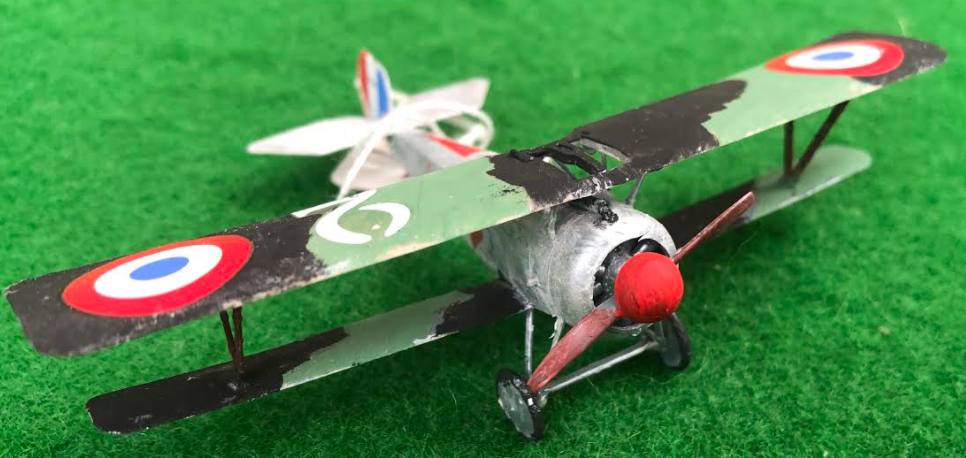 Scale model of the Nieuport 17 C1 French aircraft